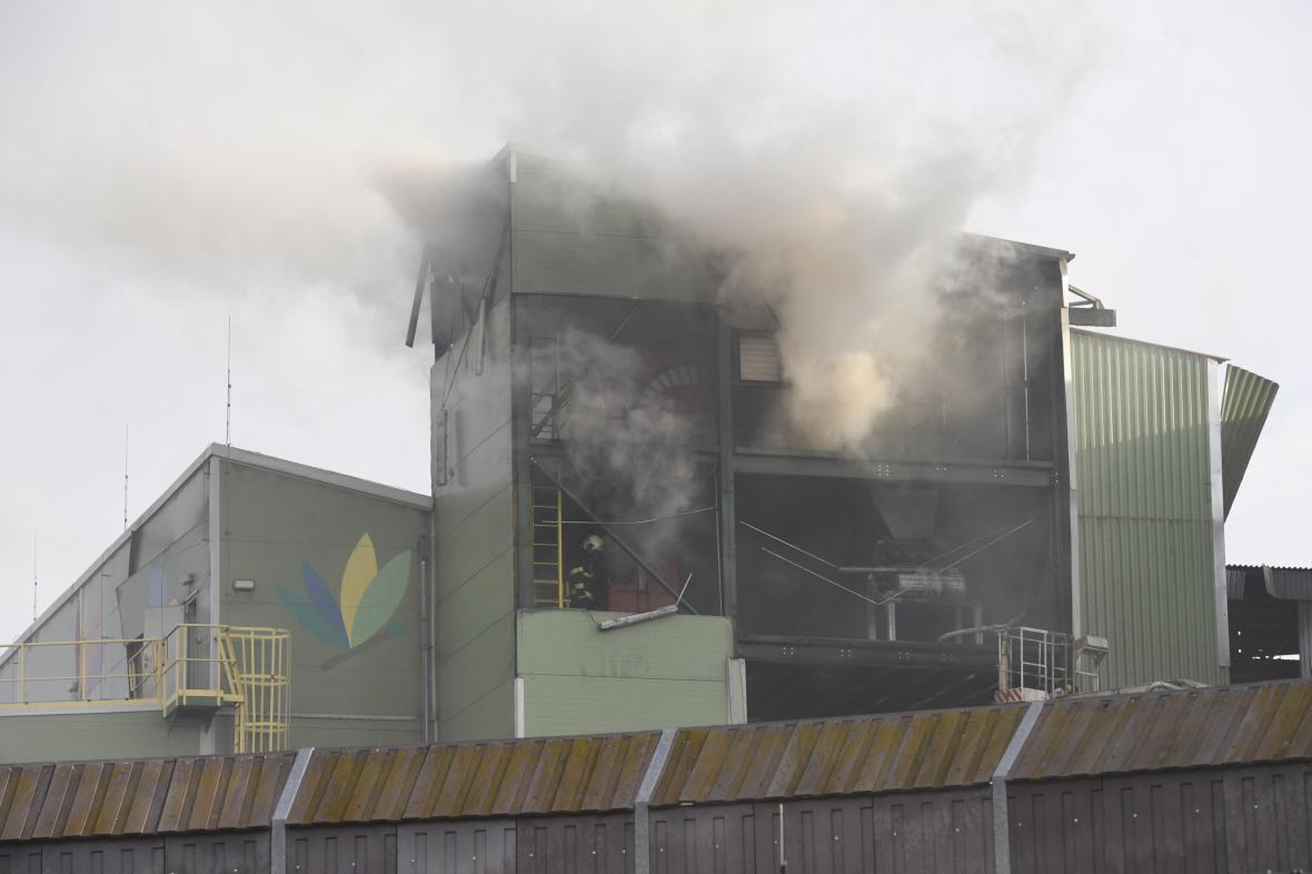 Požár po výbuchu v kolínské elektrárně
