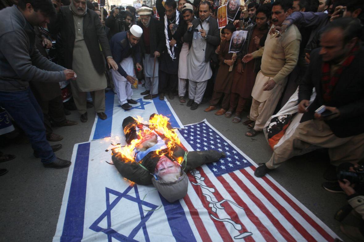 Protesty po smrti Solejmáního