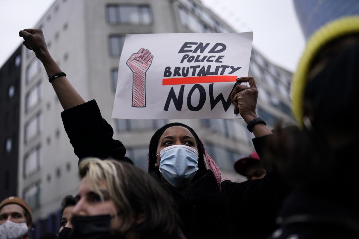 Lidé protestovali v centru Bruselu