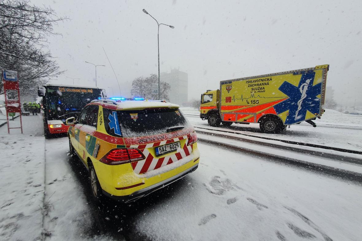 Nehoda autobusů na pražském Chodově