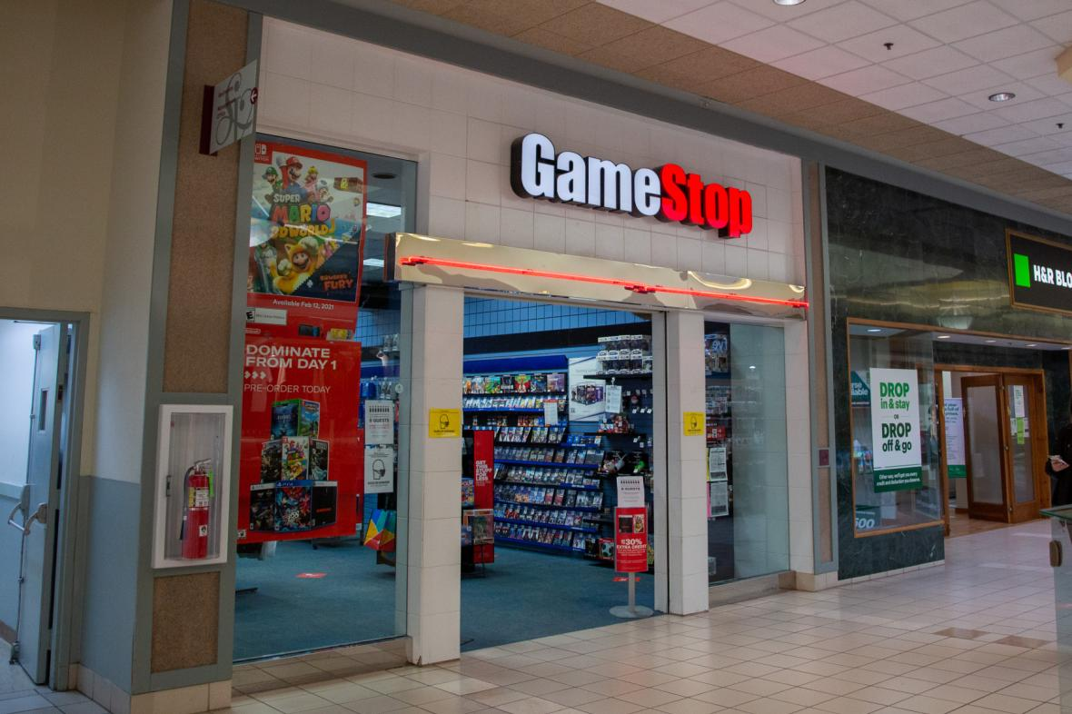 Amatérští obchodníci způsobili prudký růst akcií GameStopu (ilustrační foto)