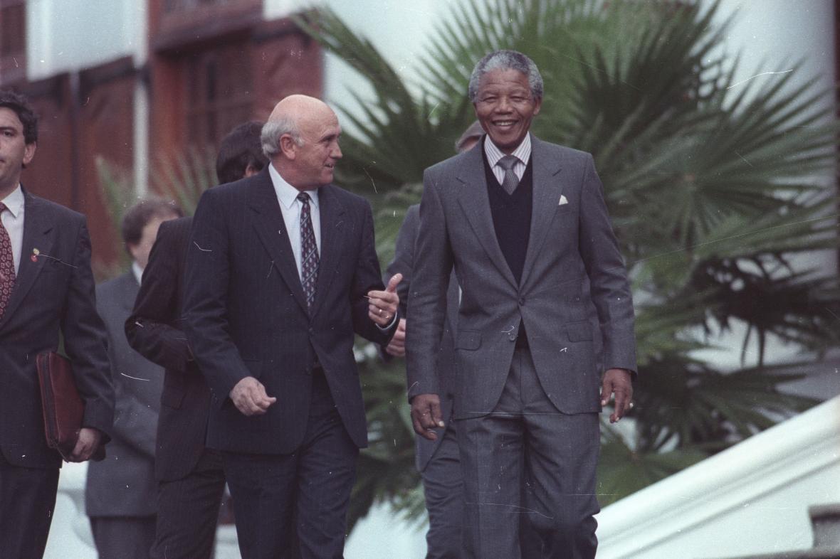 Prezident Frederik W. de Klerk s Nelsonem Mandelou