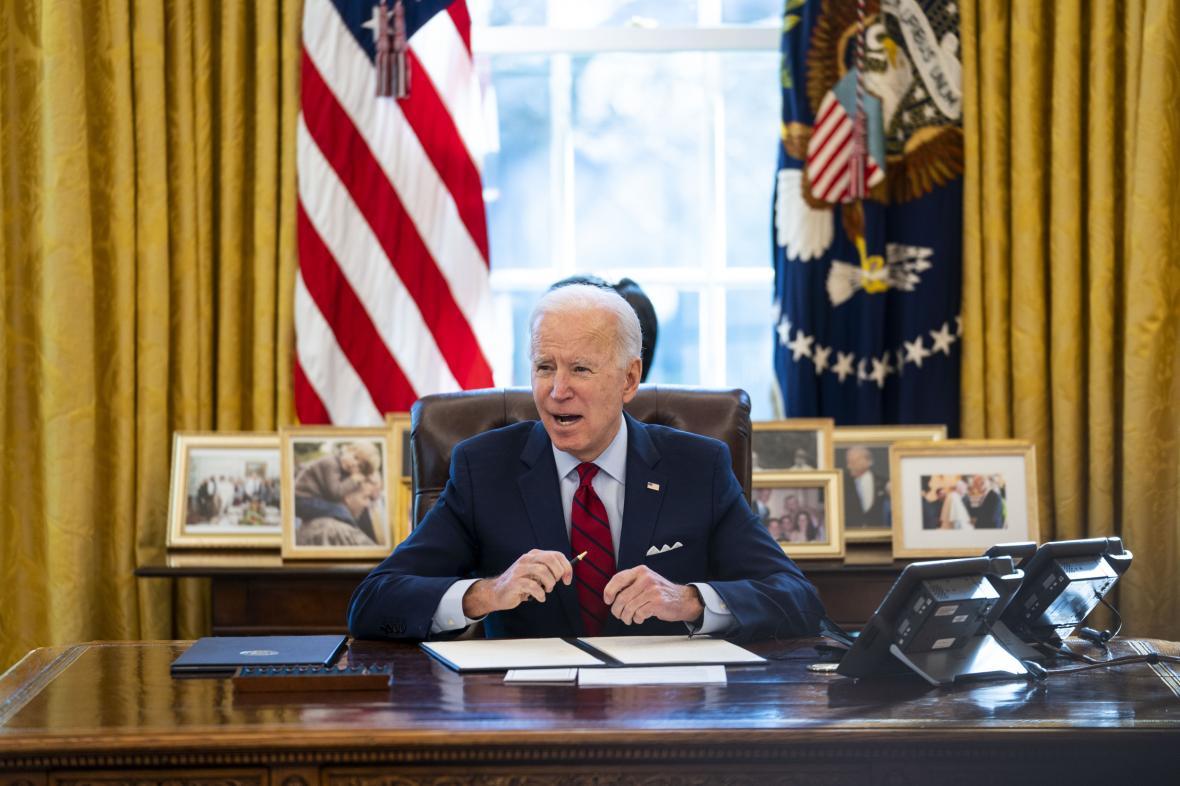 Joe Biden v Oválné pracovně Bílého domu