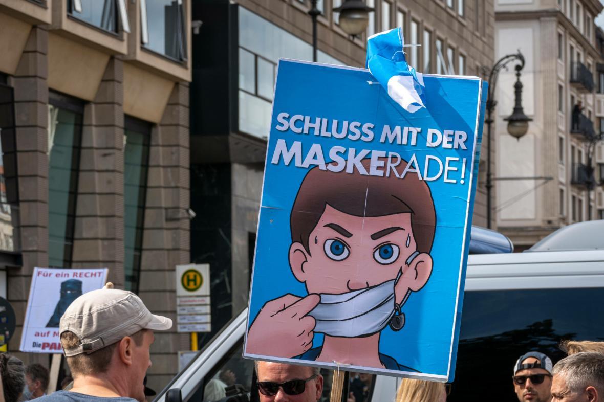 Demonstrace proti protipandemickým opatřením v Berlíně