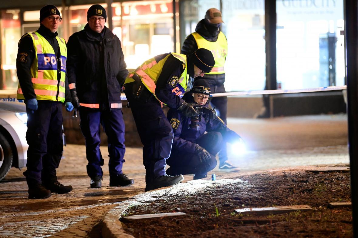 Švédská policie zkoumá místo činu
