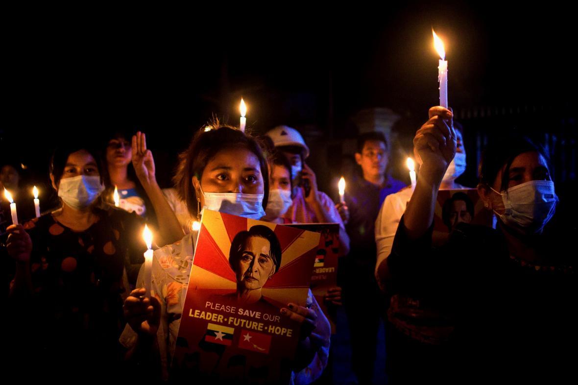 Protest proti vojenskému puči v Myanmaru