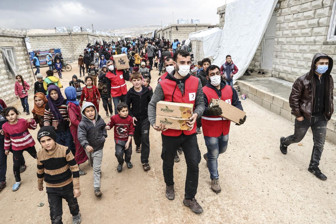 Turecko postavilo v Idlíbu pro syrské uprchlíky provizorní domy