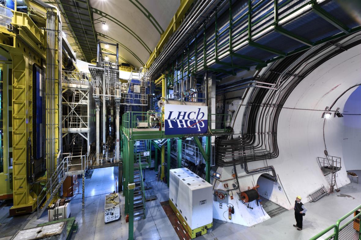 Urychlovač LHCb