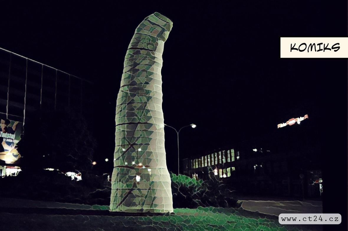 Místo sochy Lenina plastika housenky