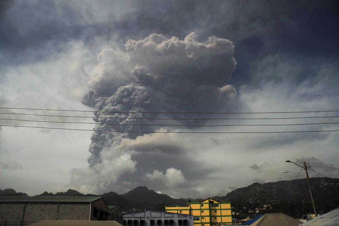 Výbuch sopky La Soufrière
