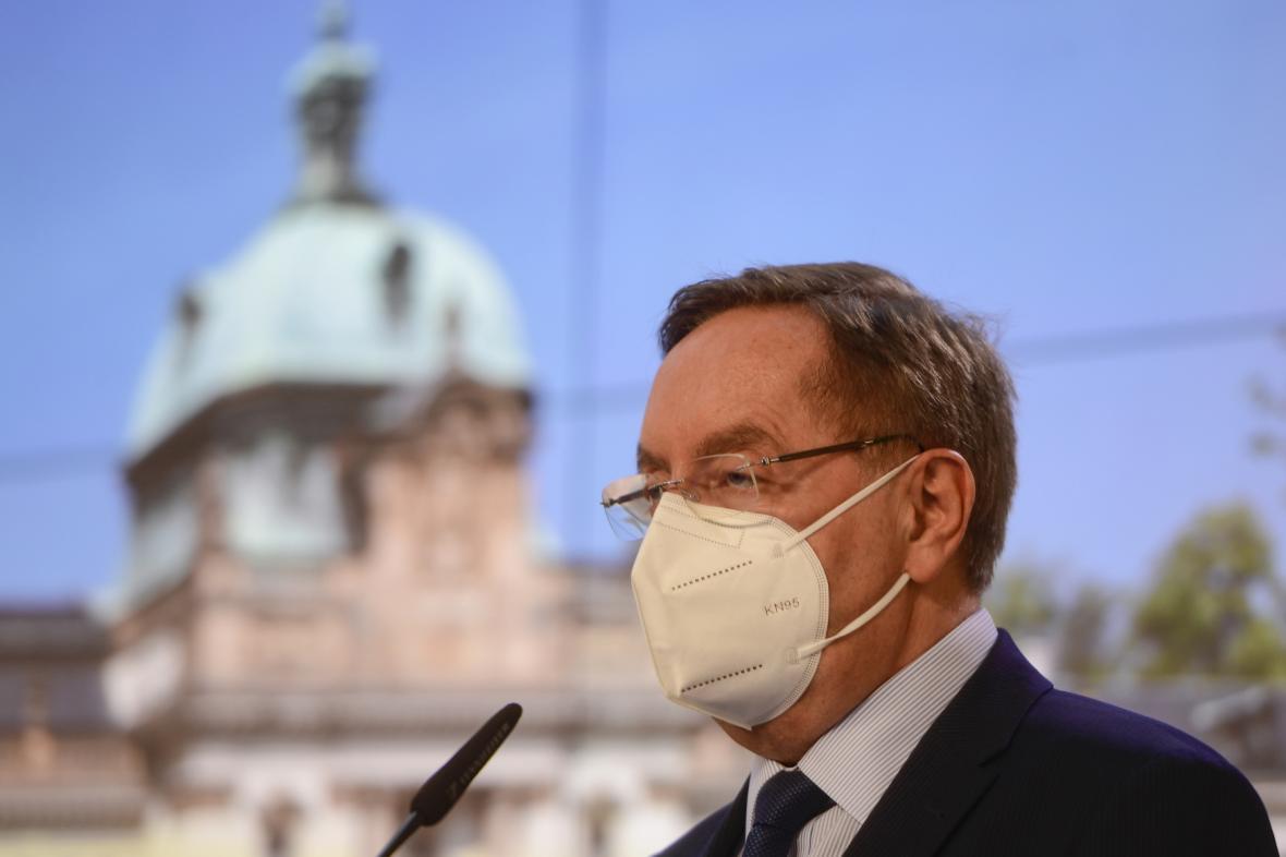 Ministr zdravotnictví Petr Arenberger (za ANO) po jednání vlády