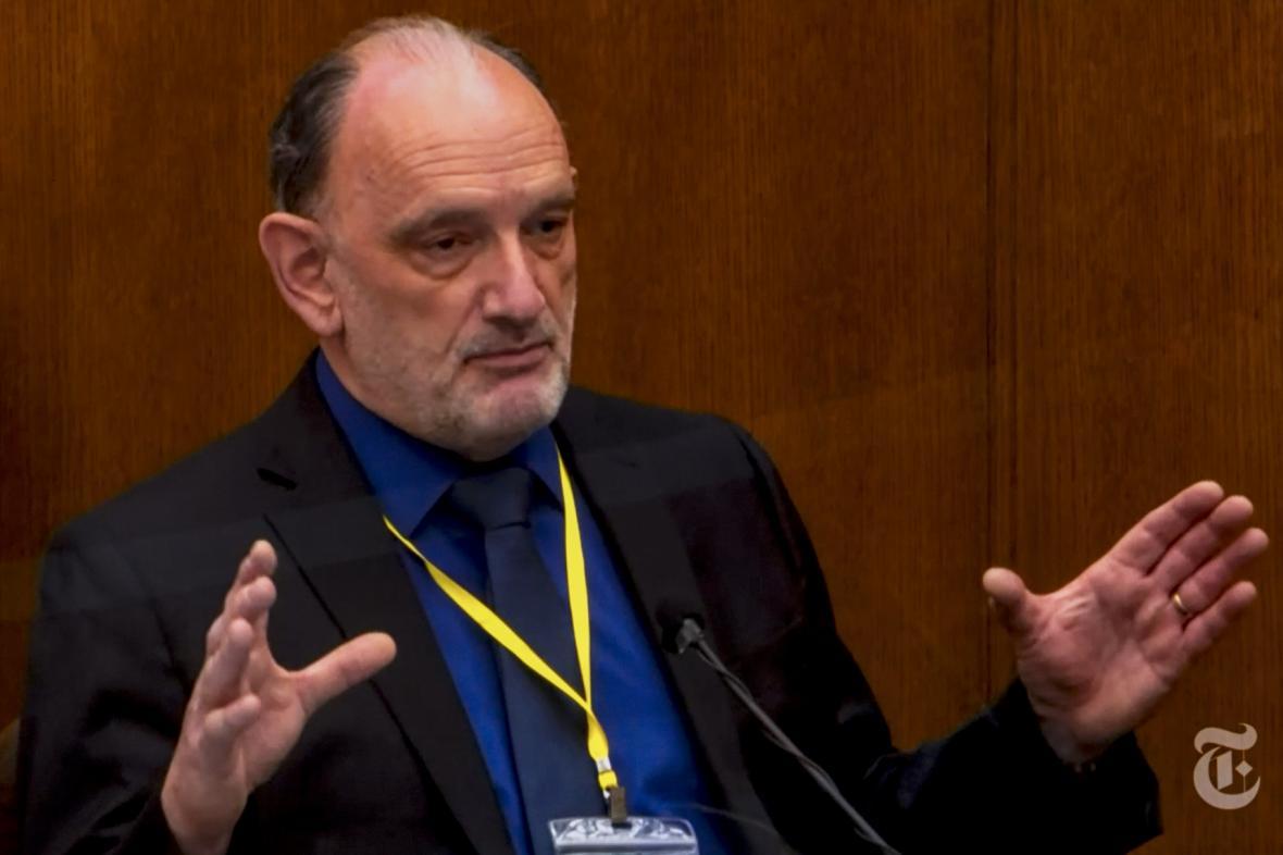 Patolog David Fowler