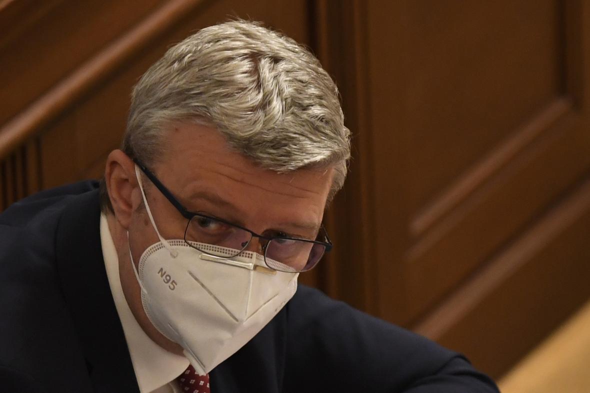 Ministr Karel Havlíček v Poslanecké sněmovně