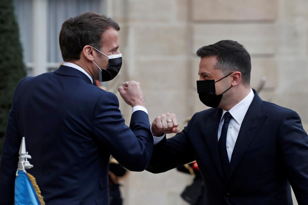 Emmanuel Macron a Volodymyr Zelenskyj