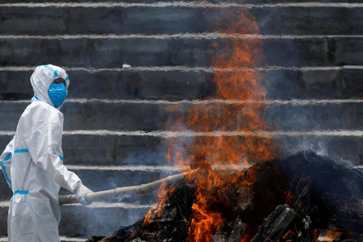 Spalování mrtvých v Nepálu