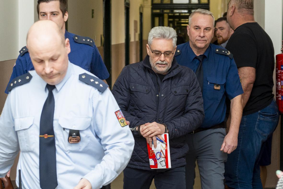 Vladislav Větrovec u litoměřického okresního soudu v únoru 2020