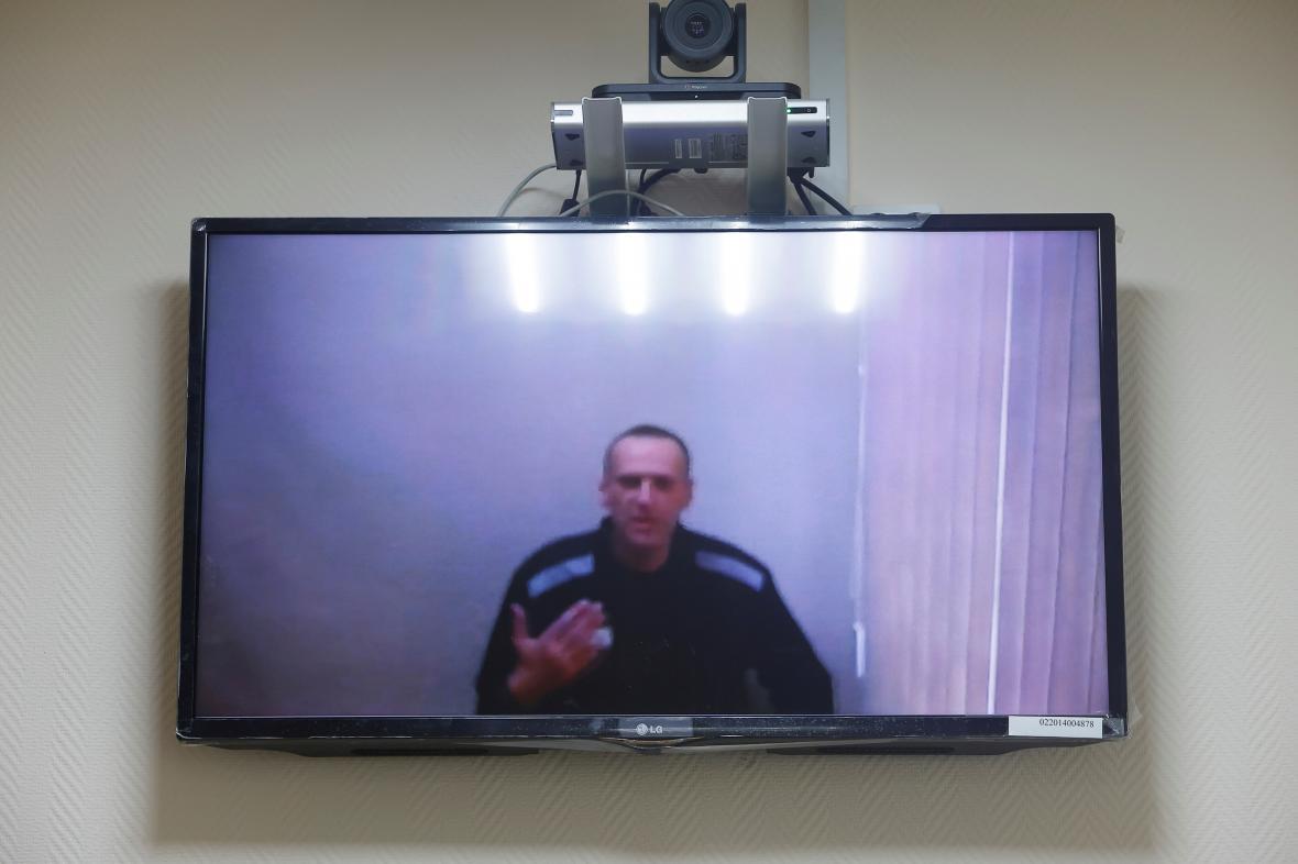 Navalnyj se jednání soudu účastnil prostřednictvím videohovoru