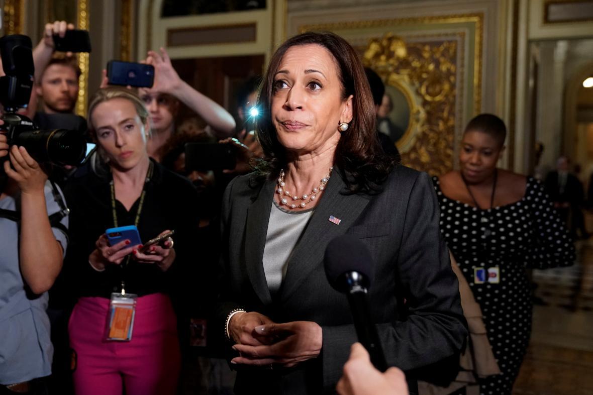 Viceprezidentka Kamala Harrisová po hlasování uvedla, že boj ještě neskončil