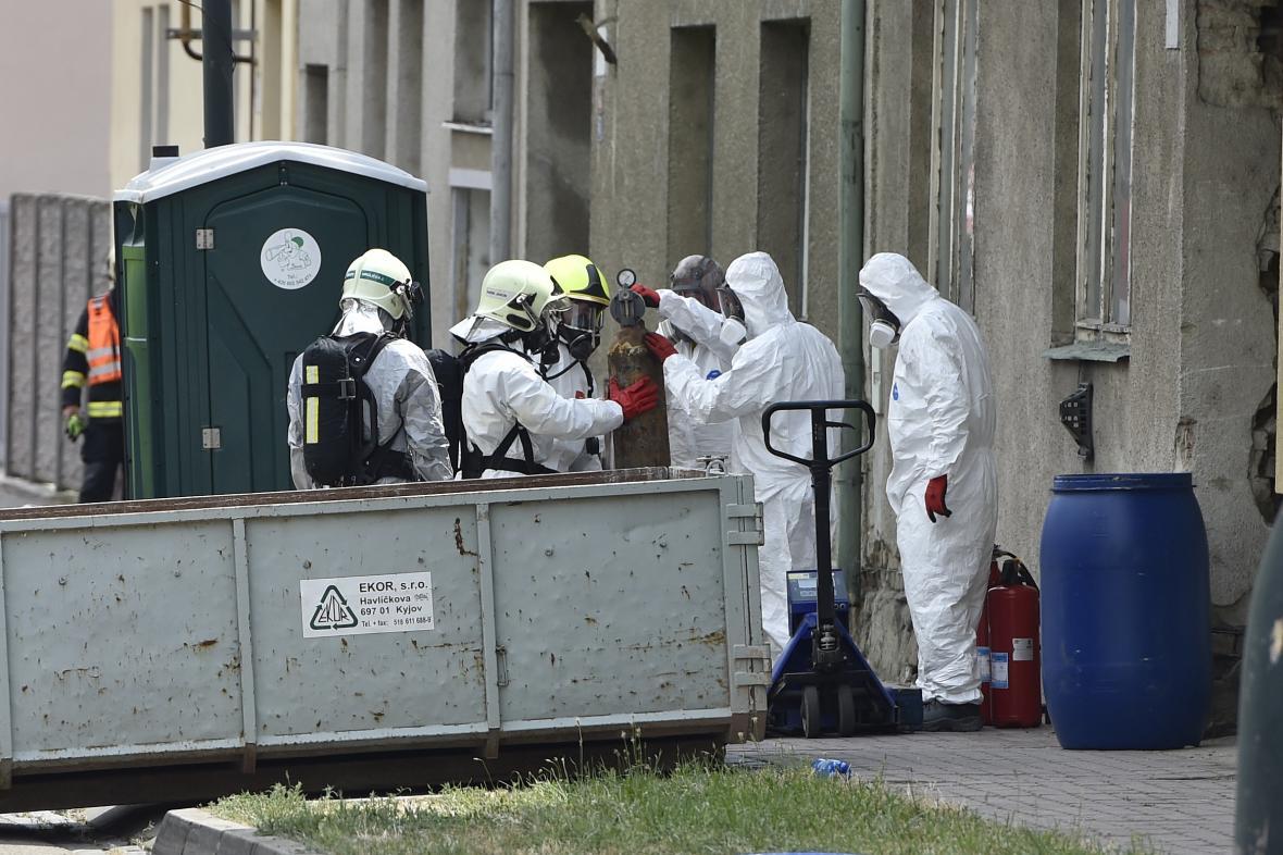 Vyklízení nebezpečných látek v Kyjově