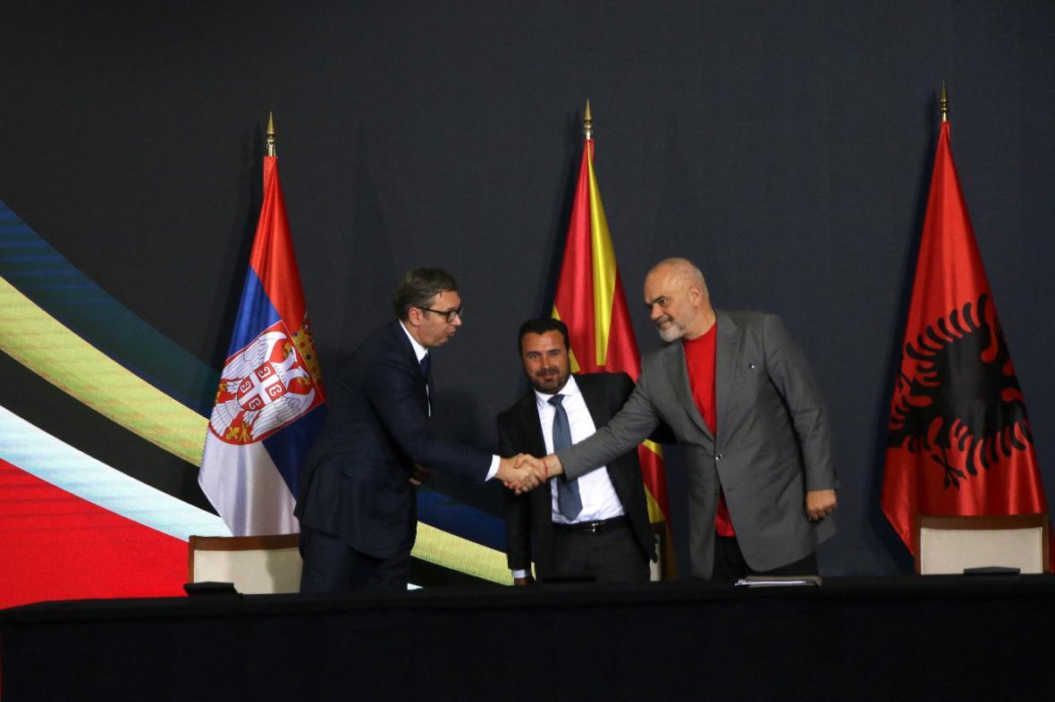 Aleksandar Vučić, Edi Rama a Zoran Zaev na setkání ve Skopje