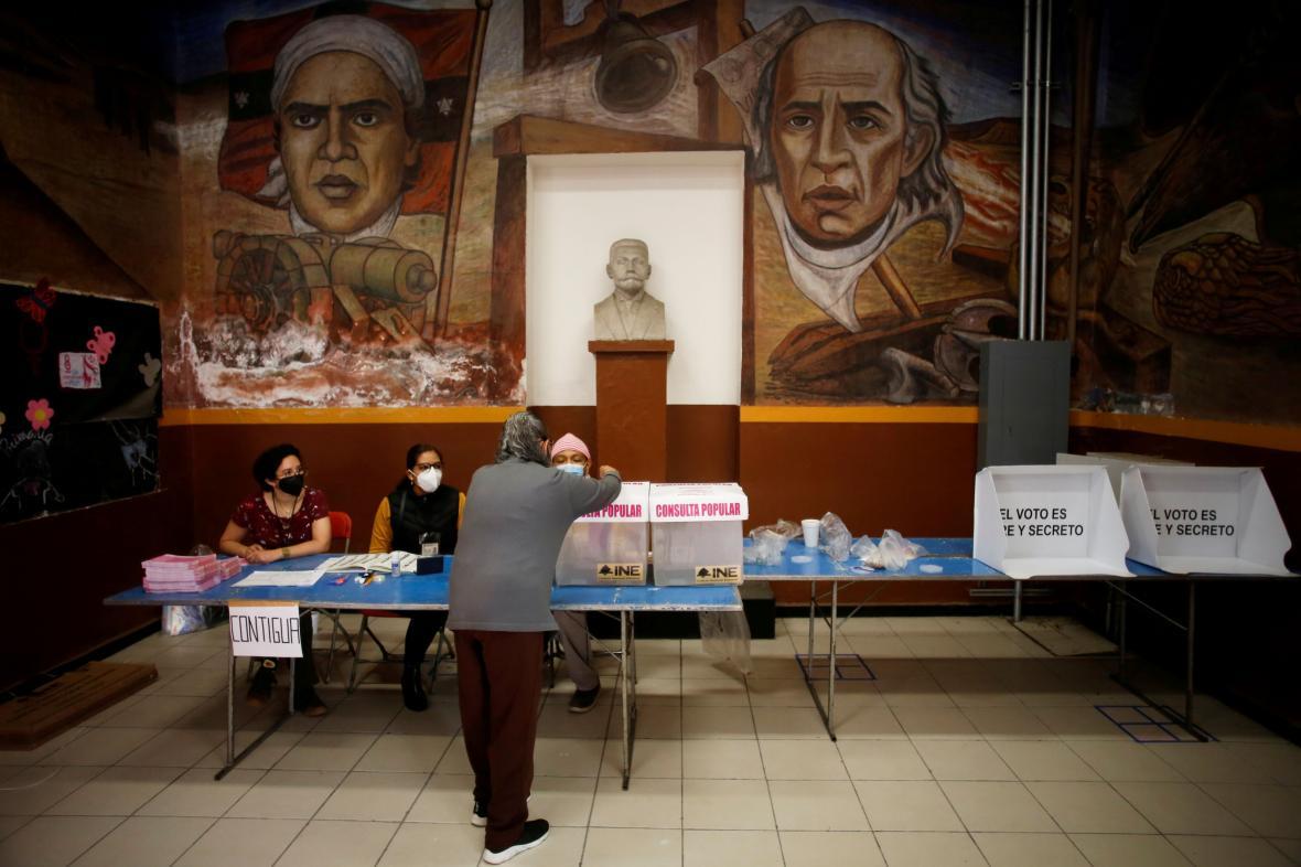 Volební místnost v hlavním městě Ciudad de México