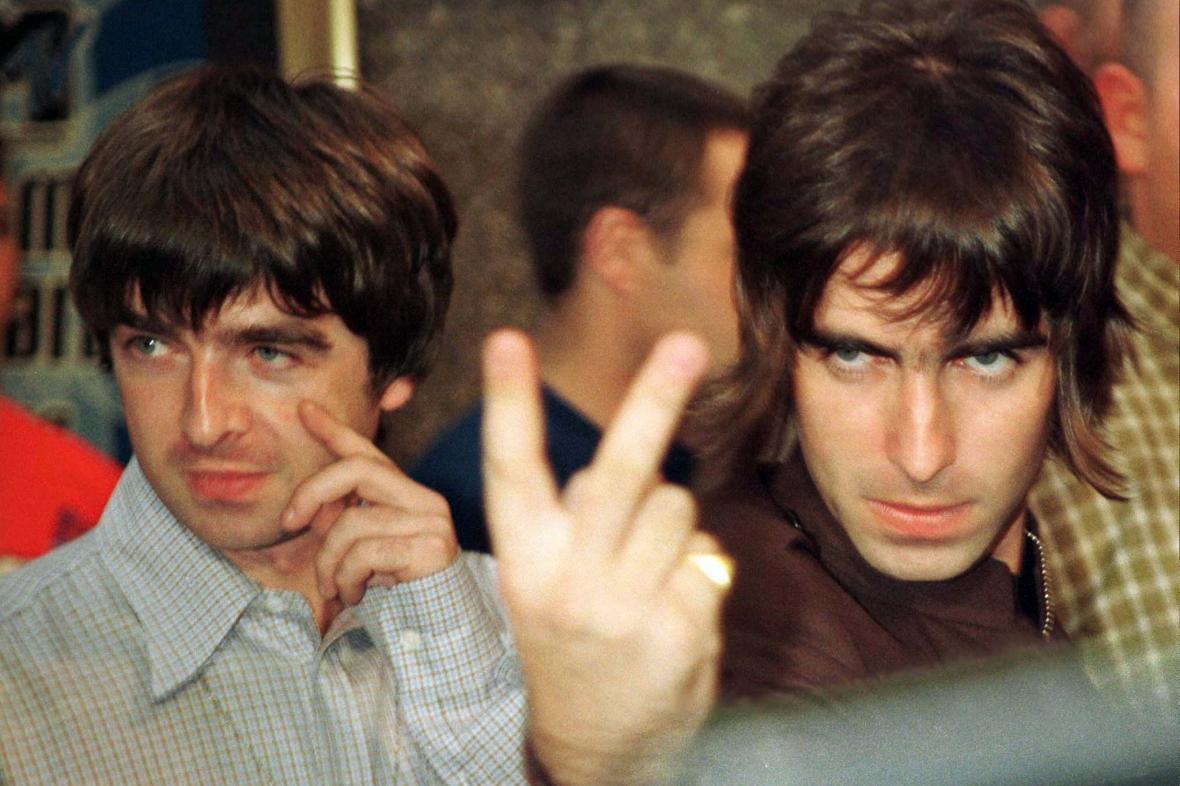 Vlevo starší z bratrů Gallagherových Noel, vpravo mladší Liam. Zakládající členové Oasis