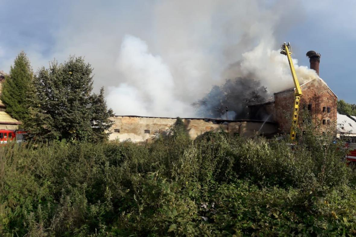 Požár opuštěného objektu v Chlumci nad Cidlinou