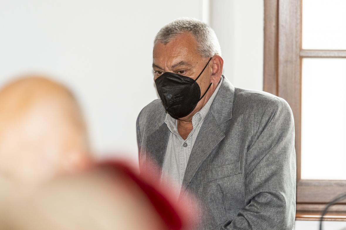 Bývalý pracovník chemičky u soudu