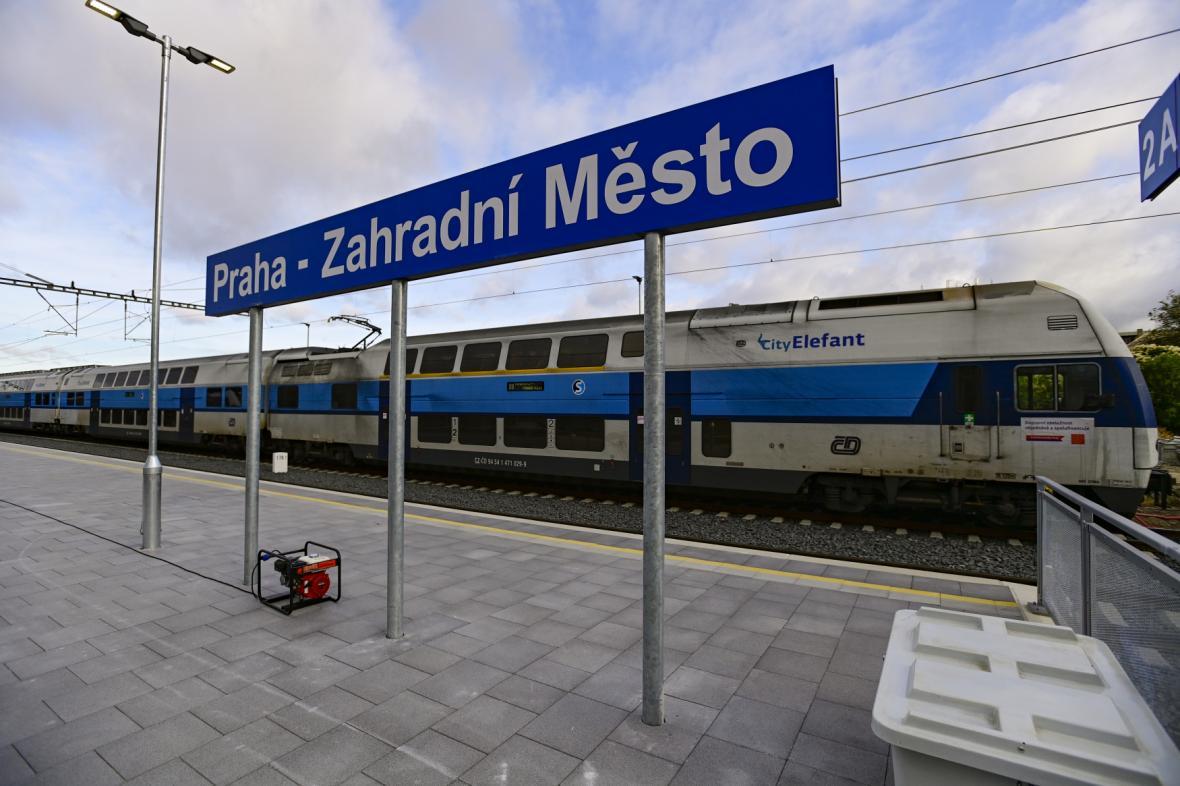 Nová železniční stanice Praha-Zahradní Město