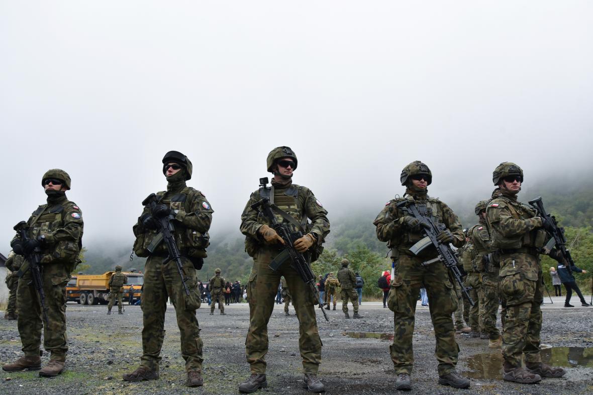 Mírové síly KFOR na hranicích Srbska a Kosova