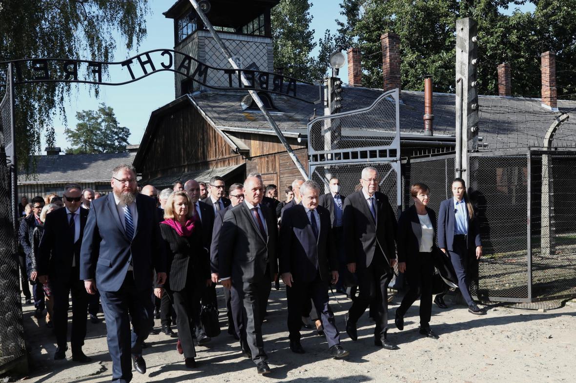 Rakouský prezident otevřel v Osvětimi novou expozici