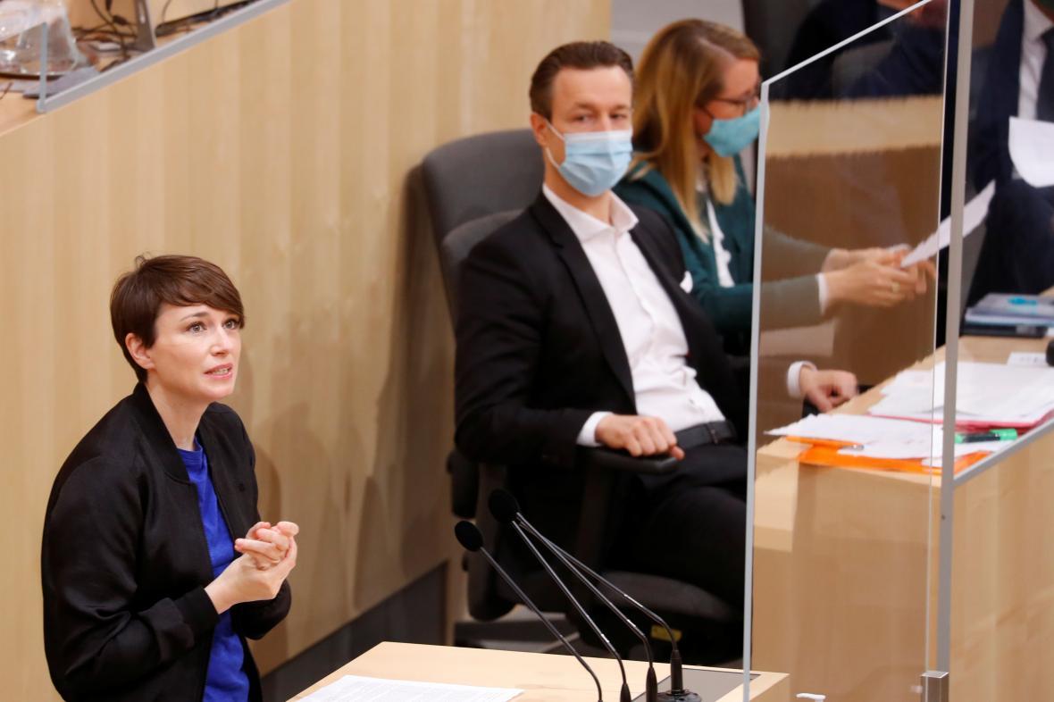 Sigrid Maurerová v rakouském parlamentu