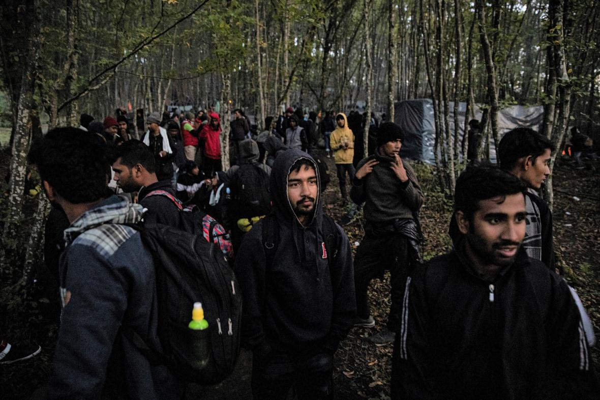 Běženci u bosensko-chorvatské hranice před nelegálním vstupem do EU