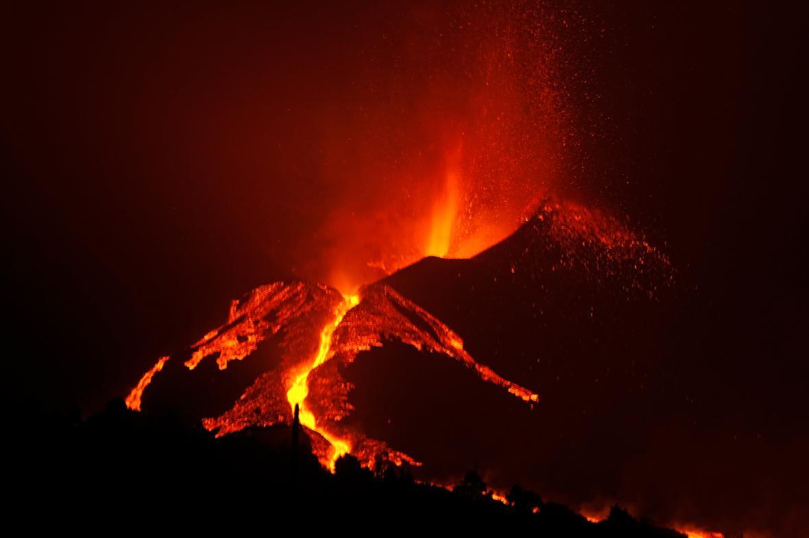 Erupce lávy na ostrově La Palma