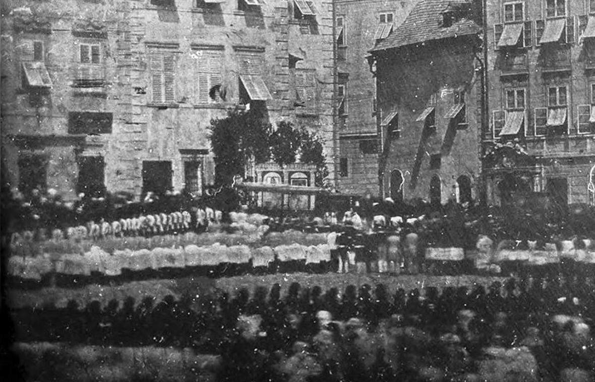 Daguerrotypie zachycuje slavnost na Zelném trhu v roce 1841