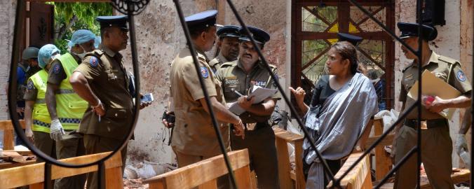Vyšetřování výbuchu v kostele ve městě Negombo