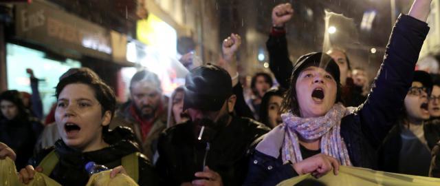Protierdoganovská demonstrace v Istanbulu