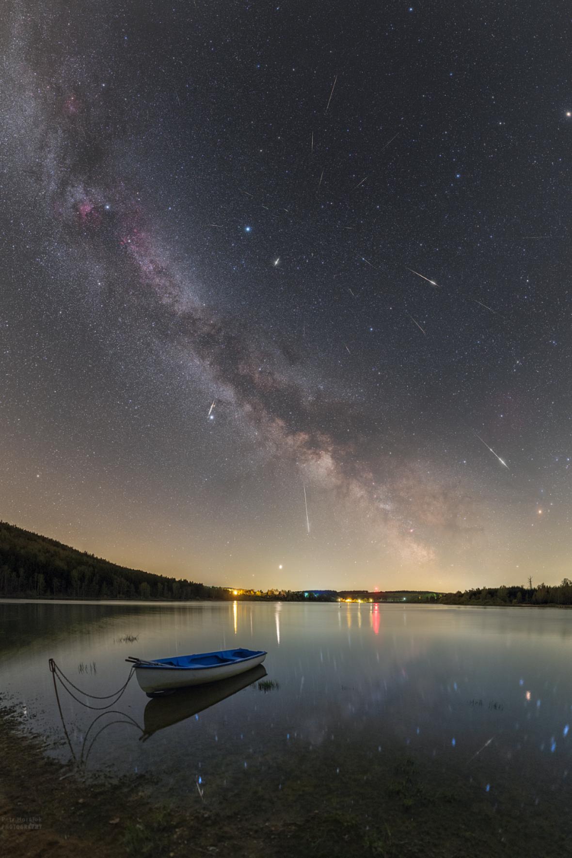 Maximum meteorického roje Lyridy vroce 2020 nad Sečskou přehradou