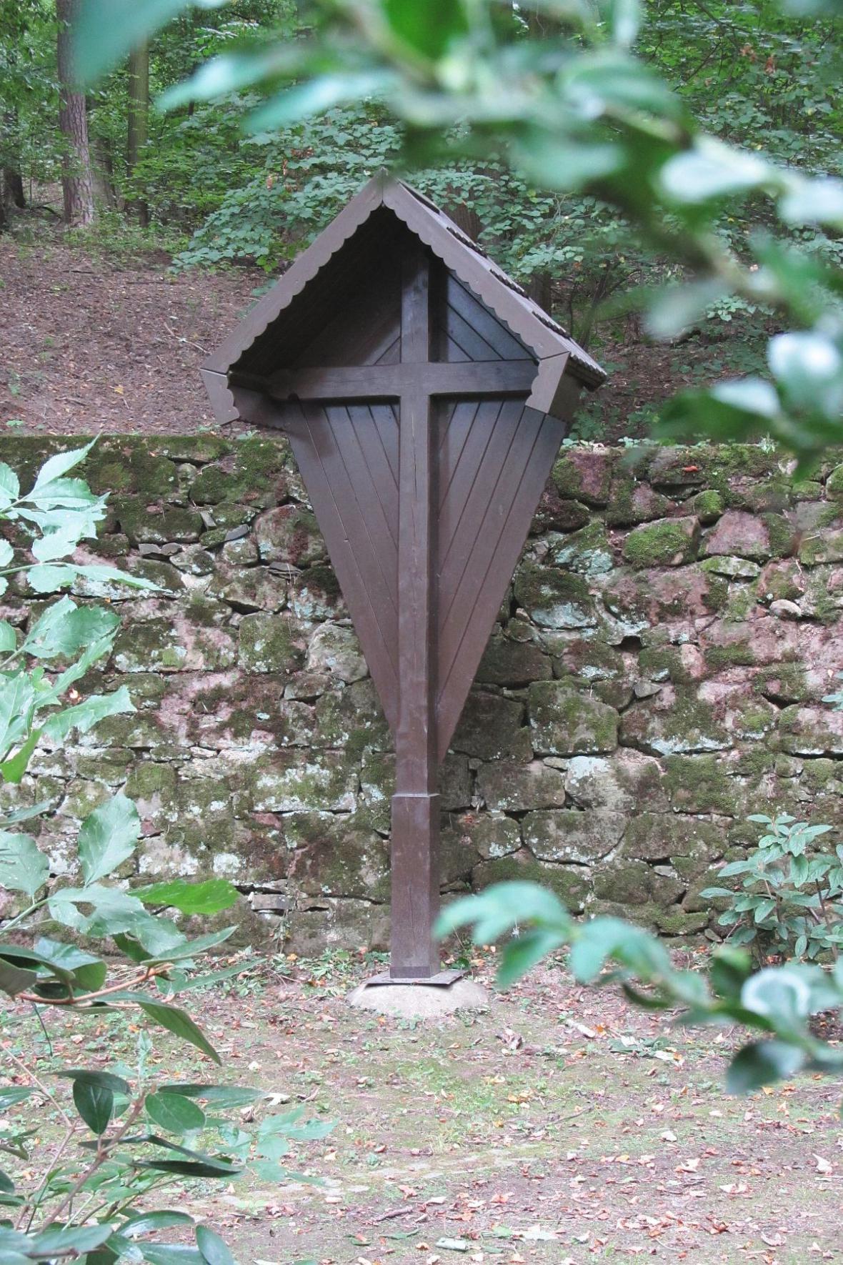 Kříž v zámecké zahradě v Boskovicích