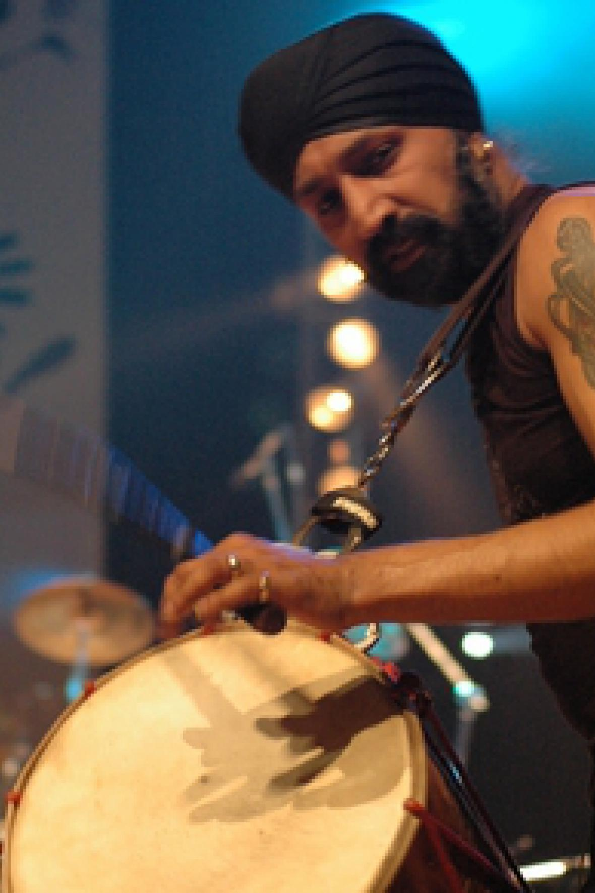 Johnny Kalsi - The Dhol Foundation