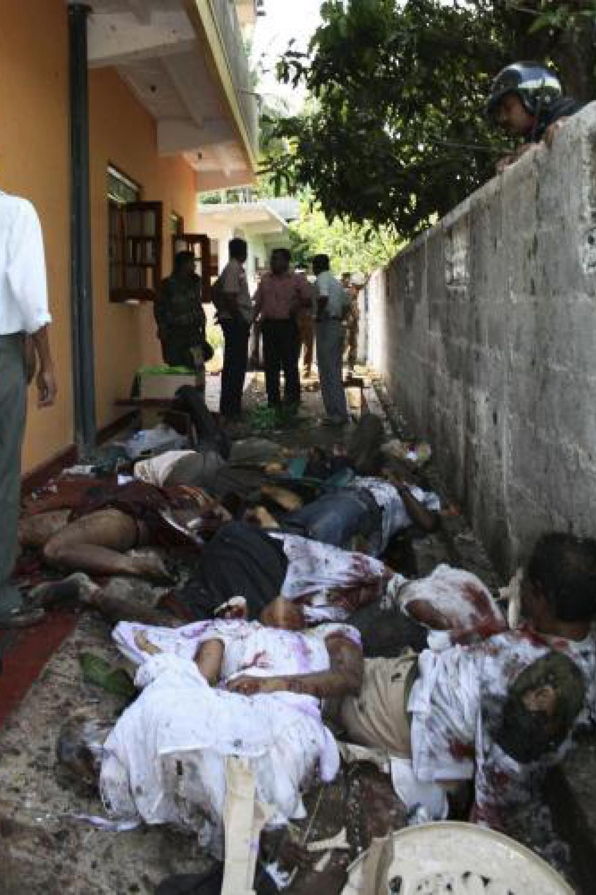 Následky sebevražedného atentátu
