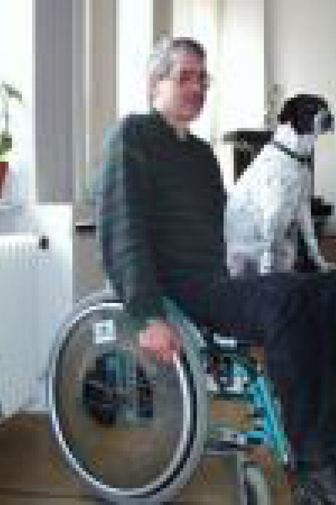 Muž na vozíčku
