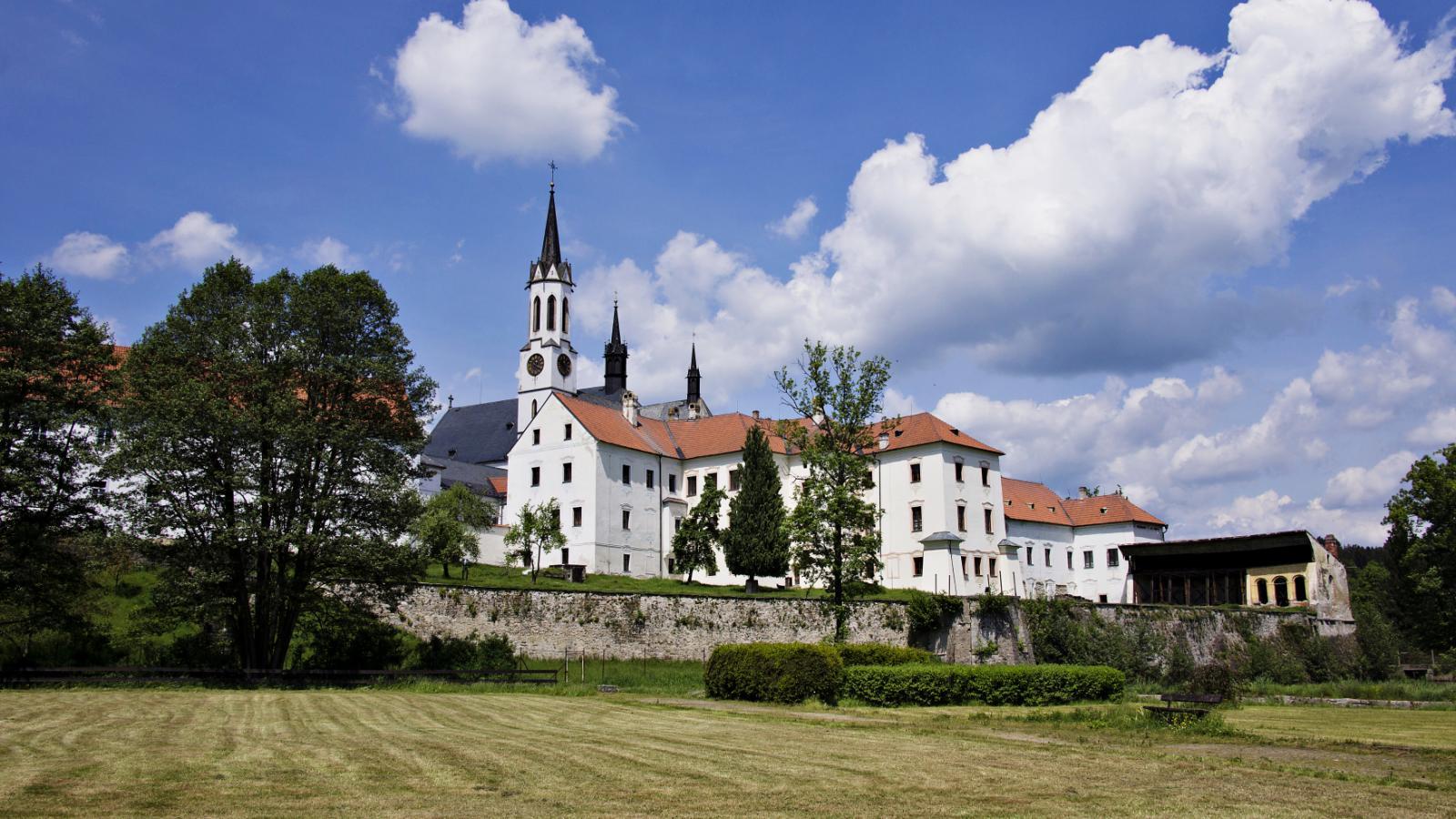 Cisterciácký klášter ve Vyšším Brodě
