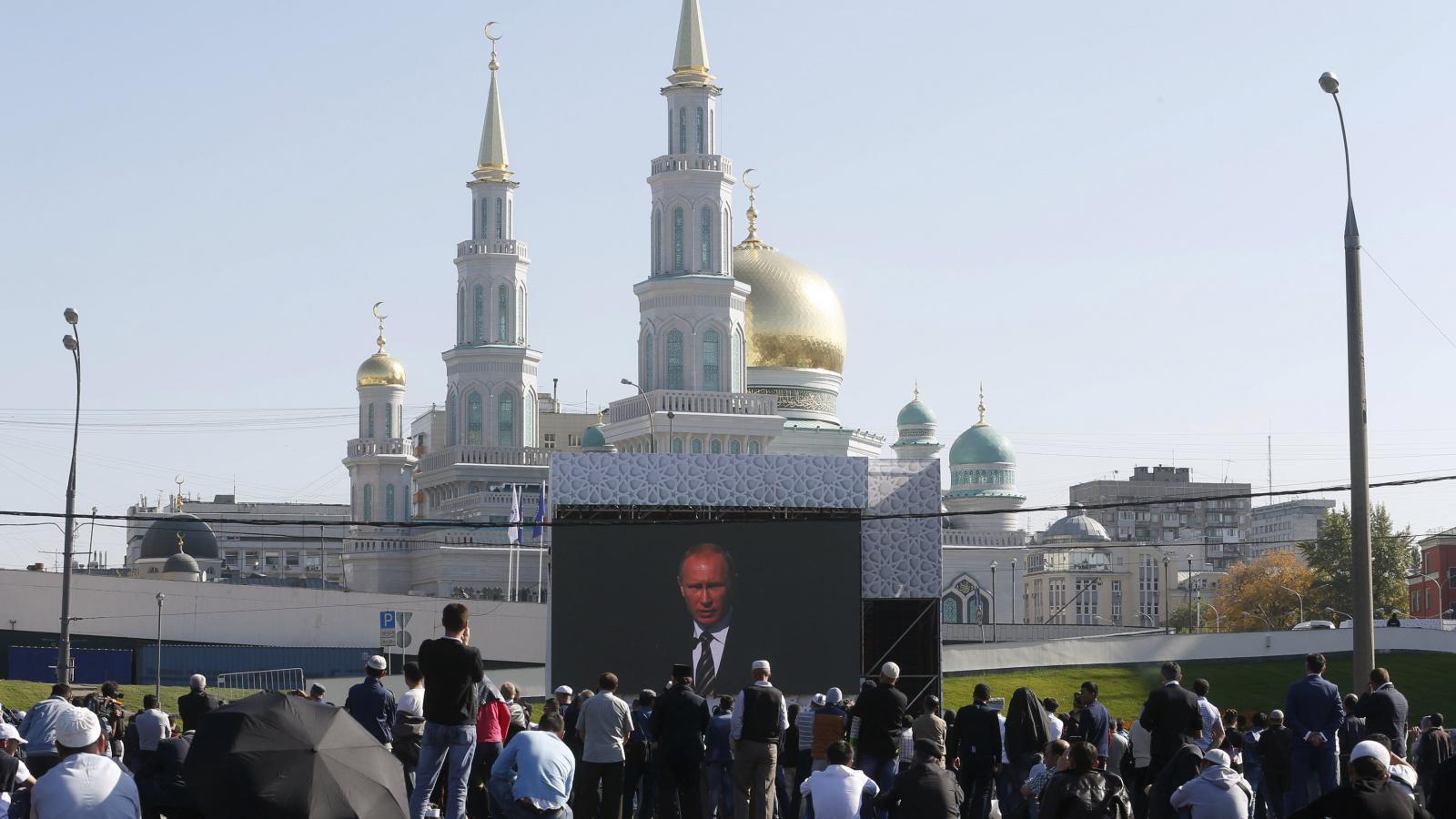 Slavnostní otevření staronové mešity v Moskvě