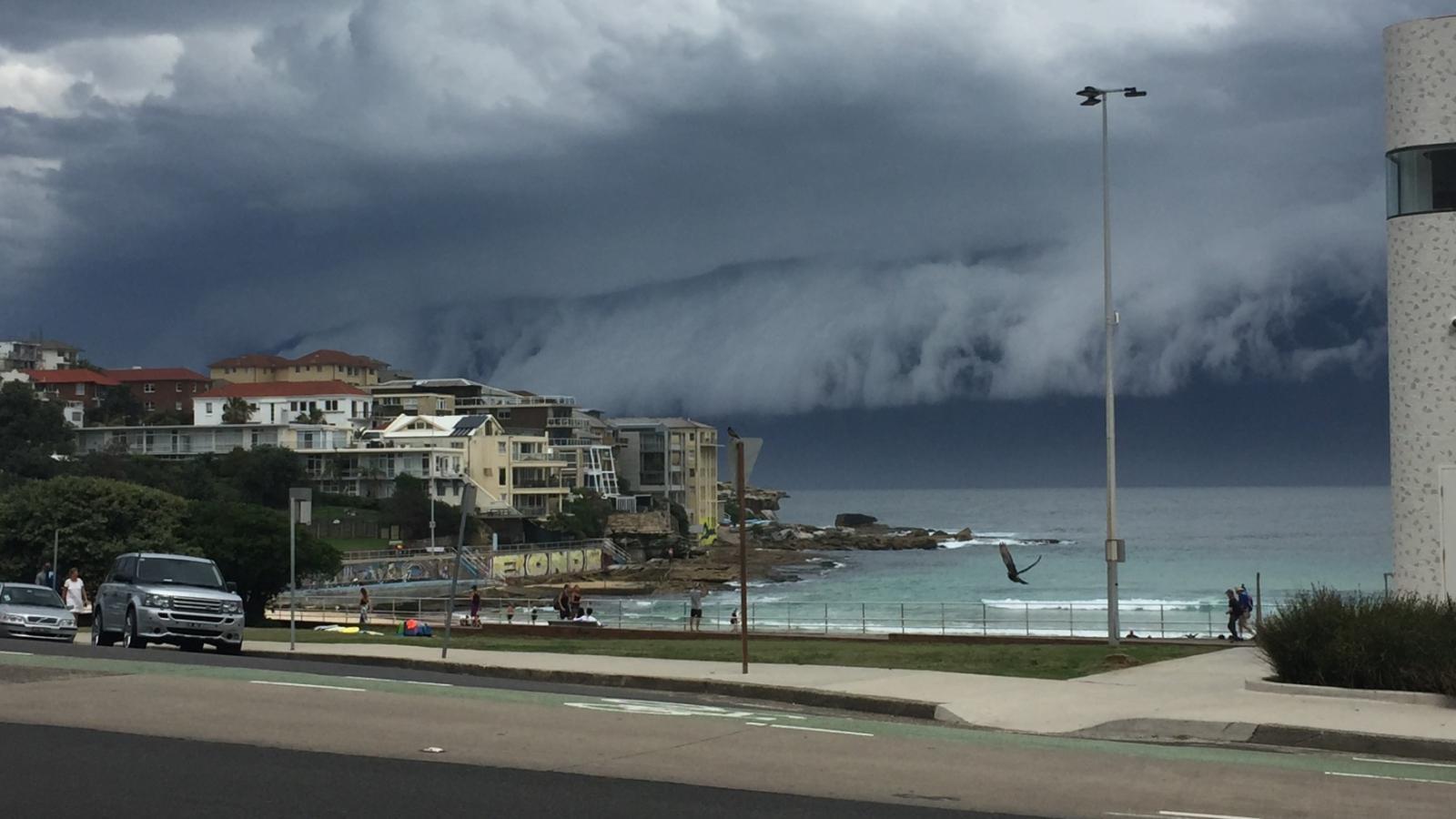 Oblačná tsunami v Sydney