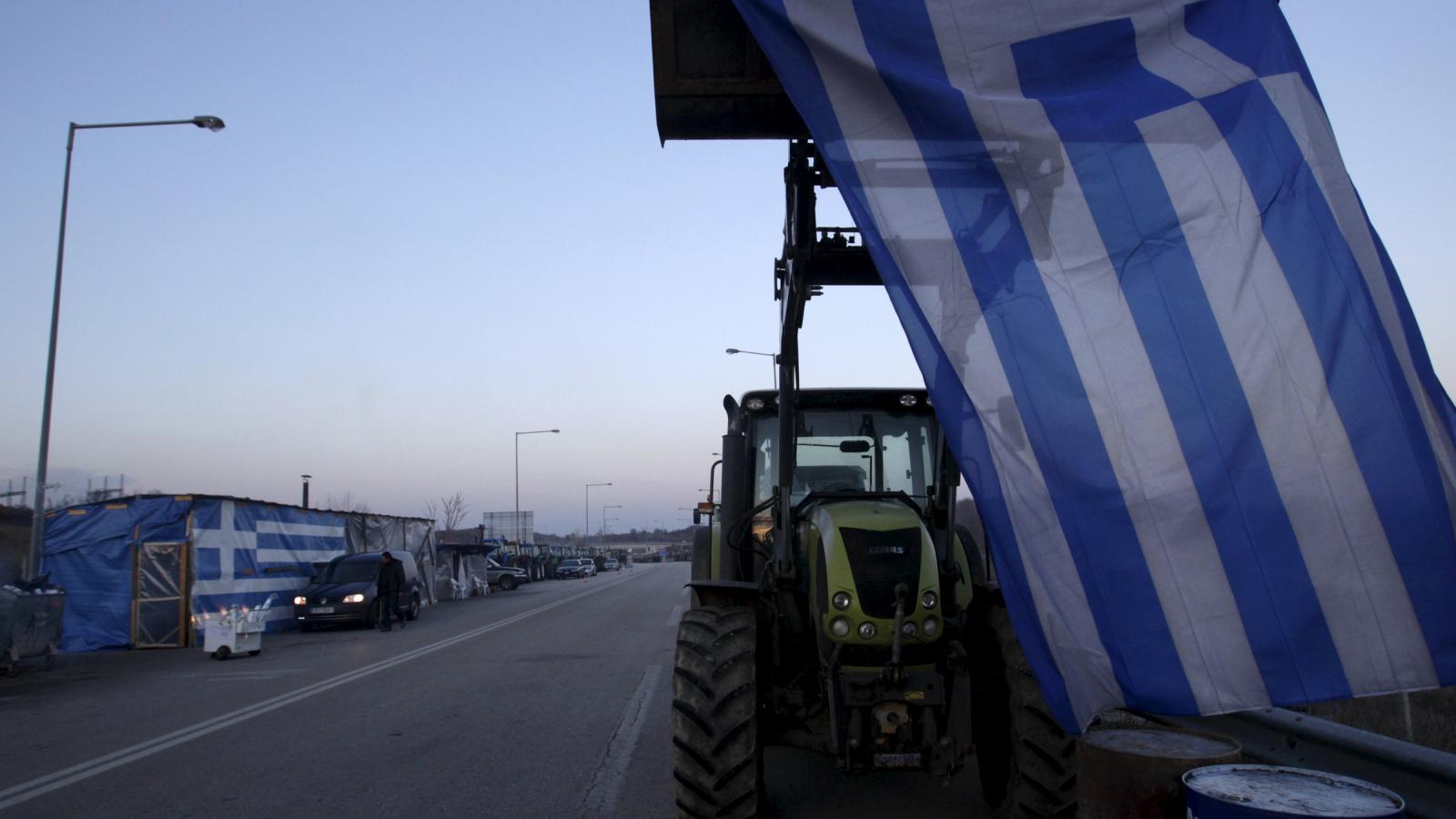 Řečtí farmáři protestují proti vládním škrtům