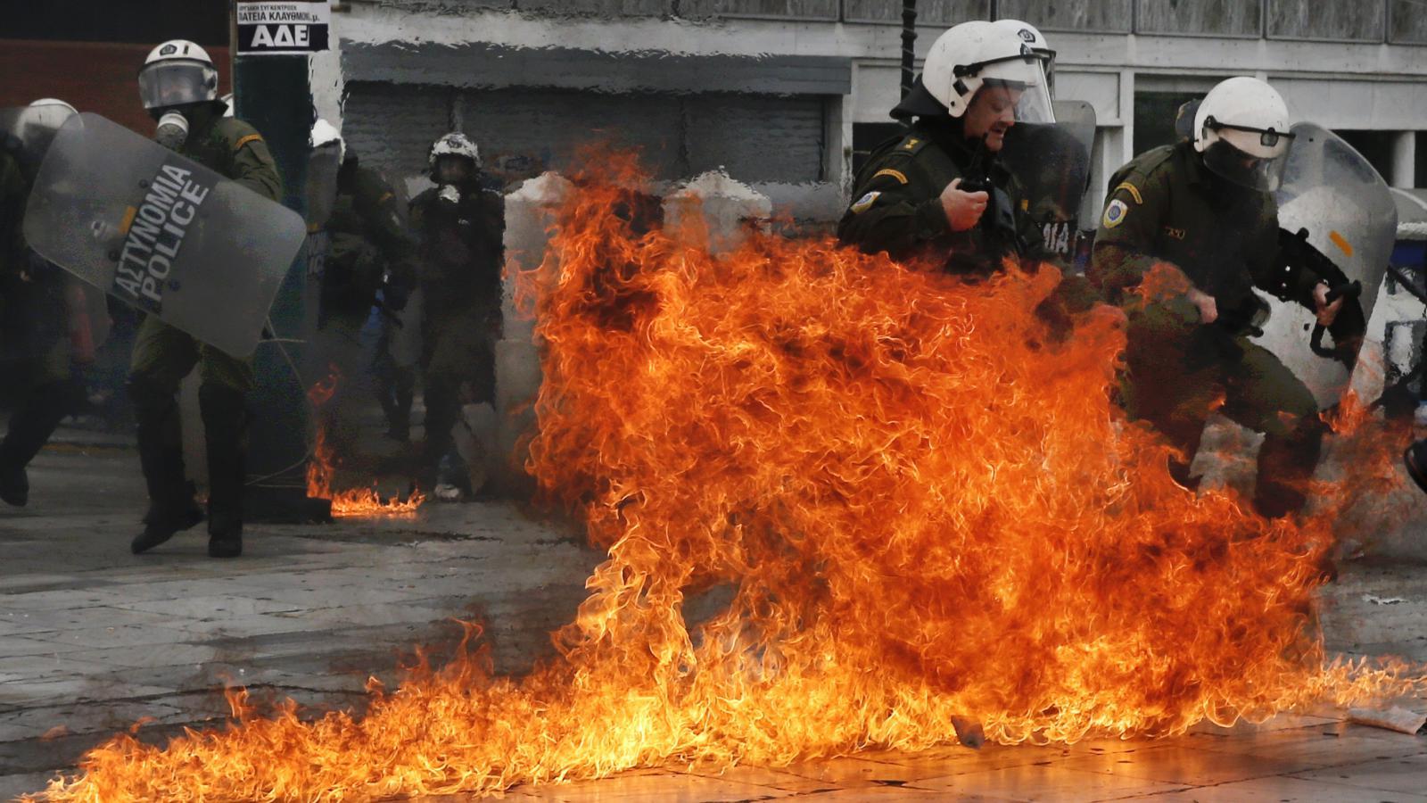 Střet s řeckou policií při demonstraci