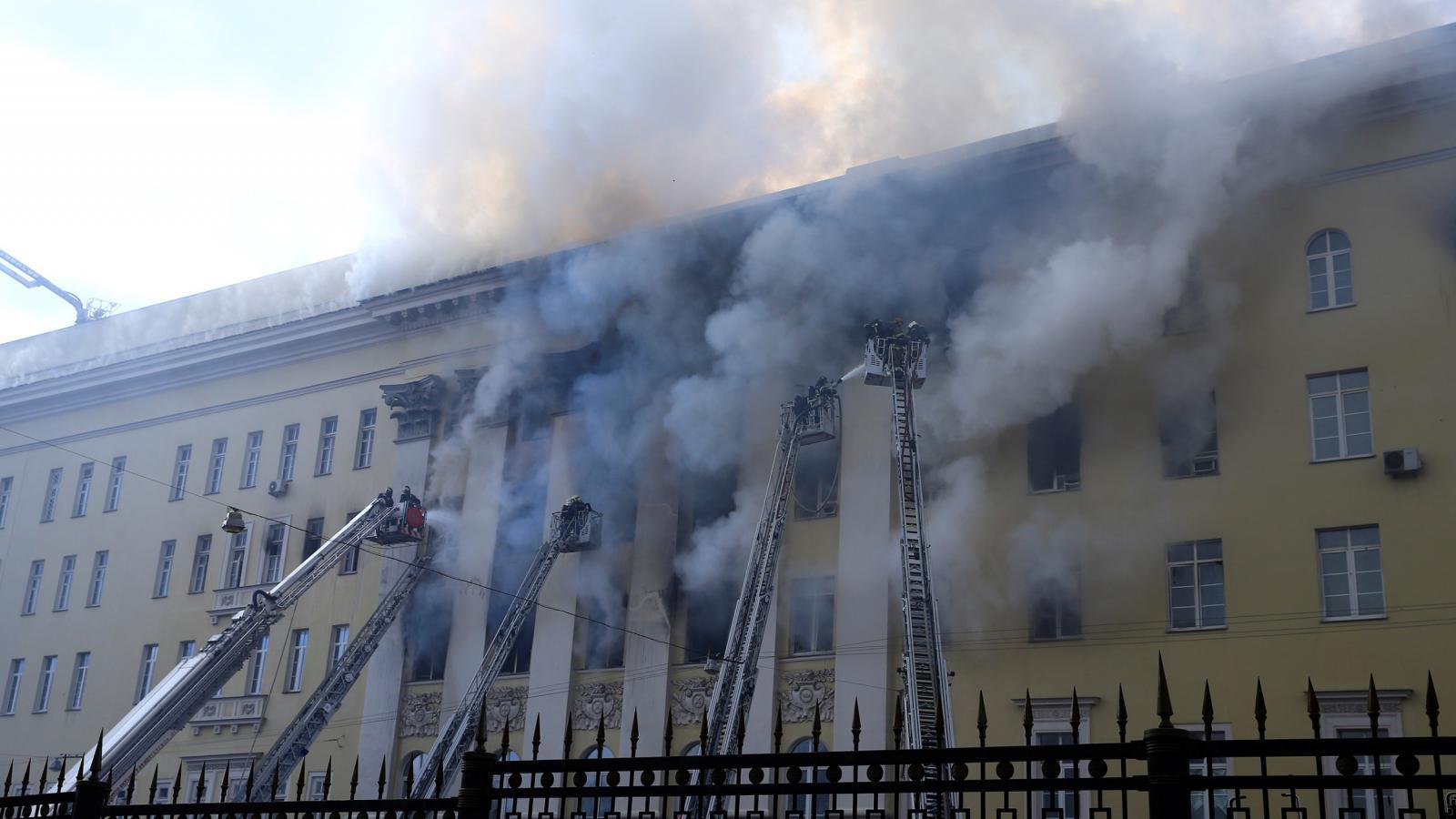 Požár v budově ruského ministerstva obrany