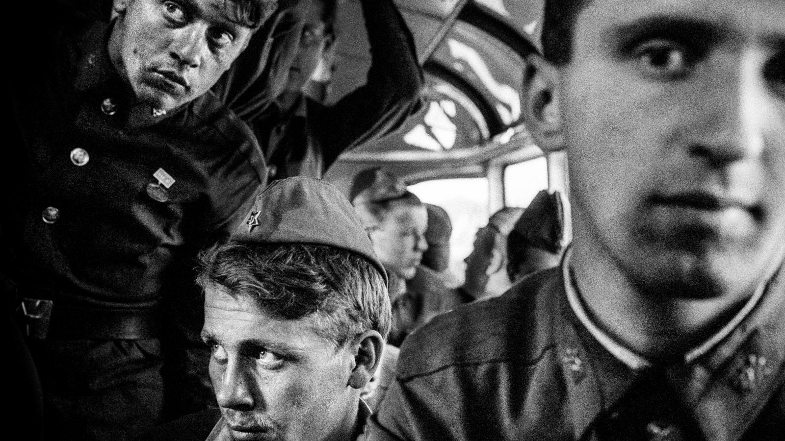 Fotografie Karla Cudlína - odchod sovětských vojsk, 1991