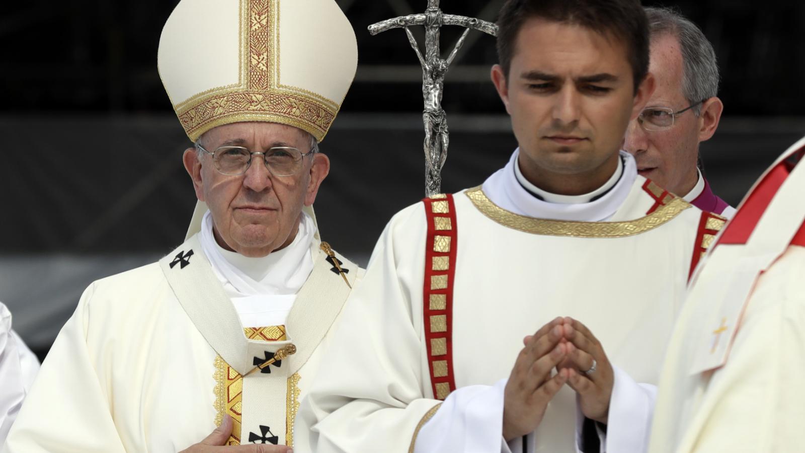 Papež František při nedělní mši